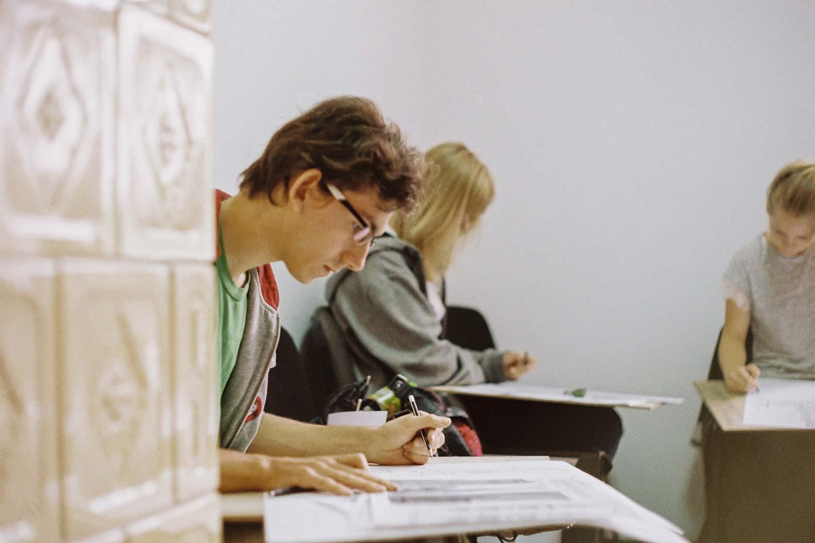pracownia rysunku, szkoła rysunku, nauka rysunku, malarstwo, rysunek sztalugowy, domin, poznań, egzamin z rysunku